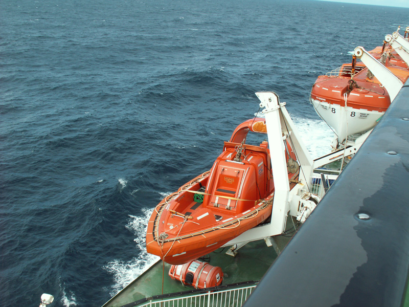 Click image for larger version  Name:littleboat3PICT0011.jpg Views:123 Size:254.3 KB ID:30027