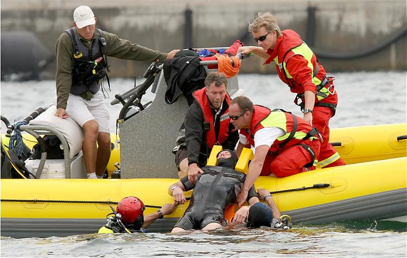 Click image for larger version  Name:rescue1 (Large).jpg Views:199 Size:82.2 KB ID:30137