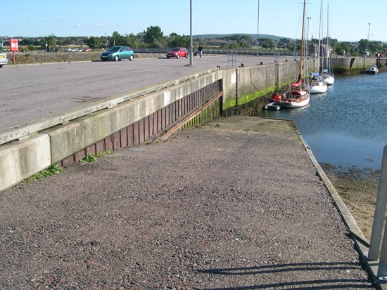 Click image for larger version  Name:slipway.jpg Views:276 Size:95.1 KB ID:3039