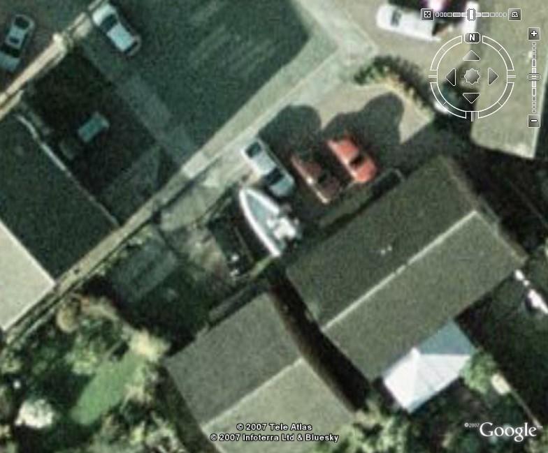 Click image for larger version  Name:boatondrive.jpg Views:247 Size:96.2 KB ID:31169