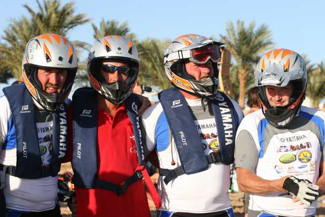Click image for larger version  Name:smallred sea rib rally ron deel 2 128.jpg Views:141 Size:39.0 KB ID:31299