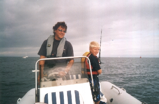 Click image for larger version  Name:robert with rod.jpg Views:158 Size:140.9 KB ID:3228
