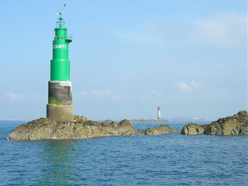 Click image for larger version  Name:st malo phare.jpg Views:145 Size:63.8 KB ID:33172