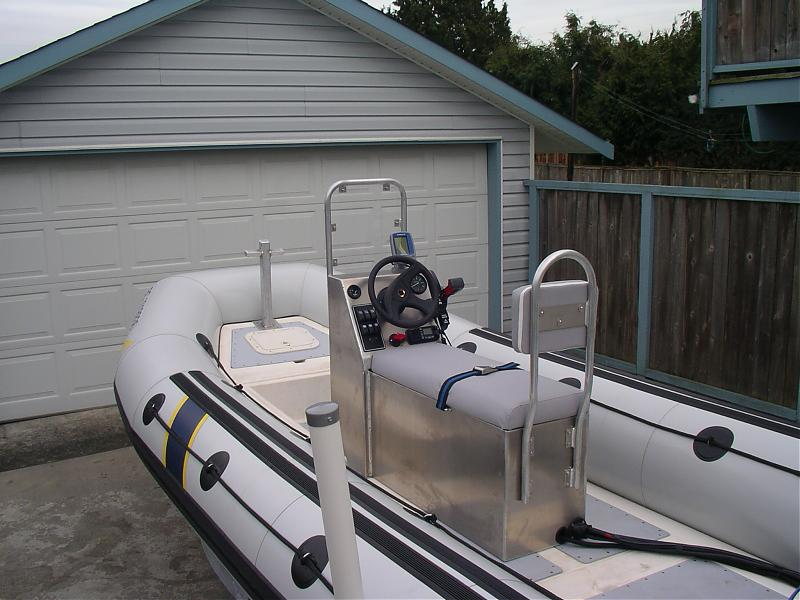 Click image for larger version  Name:08-03-09-2 Seat Back ..Windscreen & Bow Post.jpg Views:273 Size:73.8 KB ID:33377