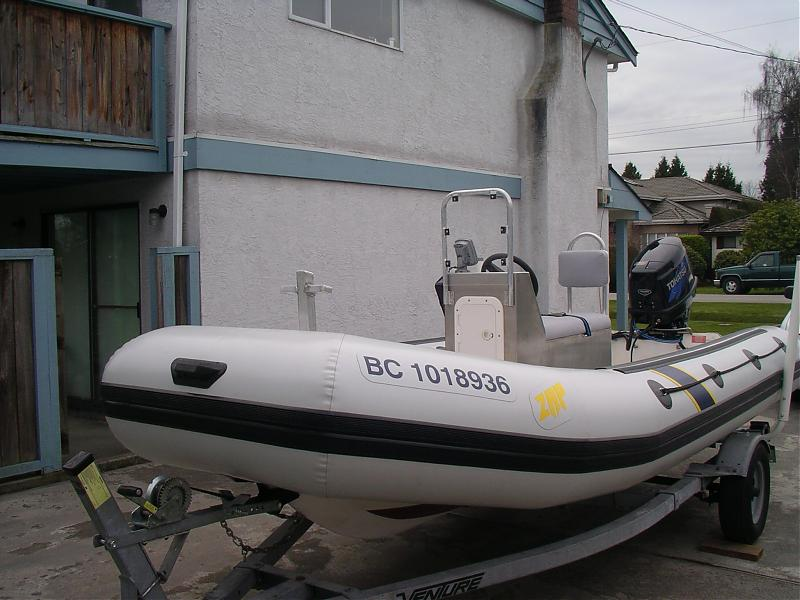 Click image for larger version  Name:08-03-09-4 Seat Back.. Windscreen & Bow Post.jpg Views:215 Size:68.6 KB ID:33378