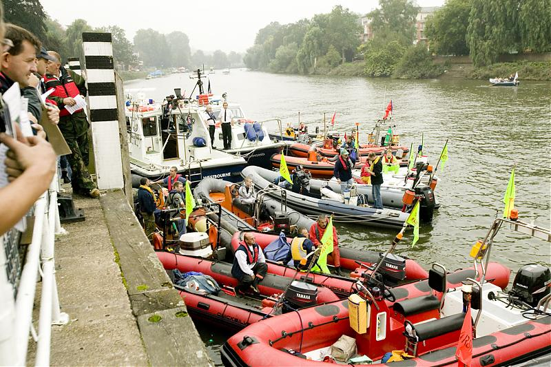 Click image for larger version  Name:Safetyboats(Full).jpg Views:191 Size:120.6 KB ID:34039