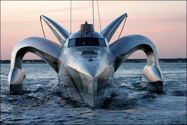 Click image for larger version  Name:Earthrace.jpg Views:174 Size:65.1 KB ID:34085