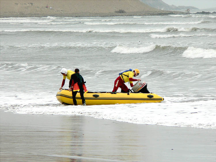 Click image for larger version  Name:Surf Rescue 3.JPG Views:138 Size:65.5 KB ID:34814