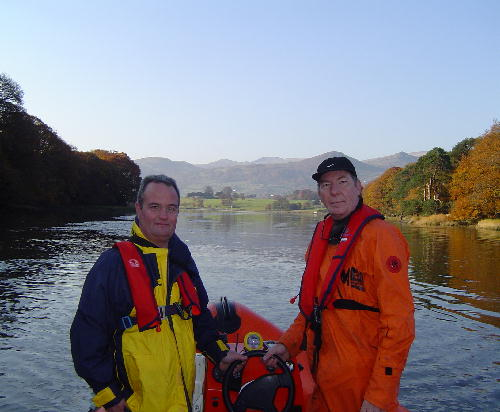 Click image for larger version  Name:ged and john enjoy the tranquil cruise.jpg Views:410 Size:43.5 KB ID:3482