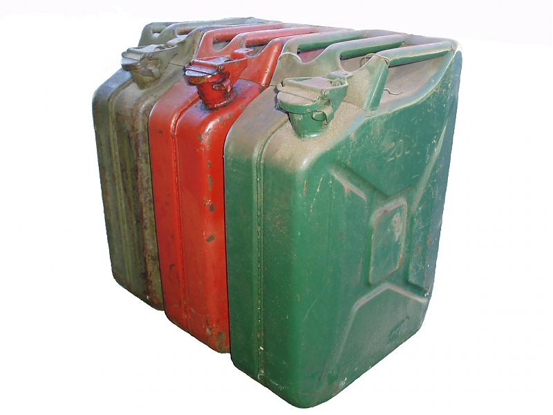 Click image for larger version  Name:jerrycan.jpg Views:96 Size:42.7 KB ID:34942