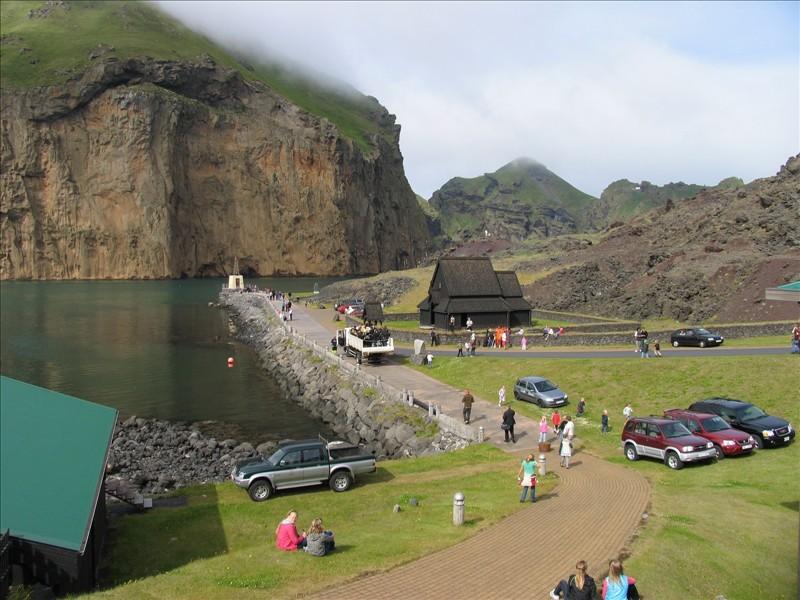 Click image for larger version  Name:Vestmannaeyjar 01.jpg Views:91 Size:141.9 KB ID:36157