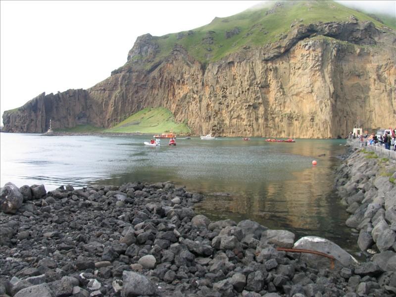 Click image for larger version  Name:Vestmannaeyjar 04.jpg Views:90 Size:149.4 KB ID:36160