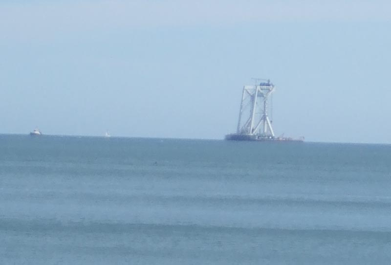 Click image for larger version  Name:RN Salvage Crane.jpg Views:218 Size:29.3 KB ID:36894