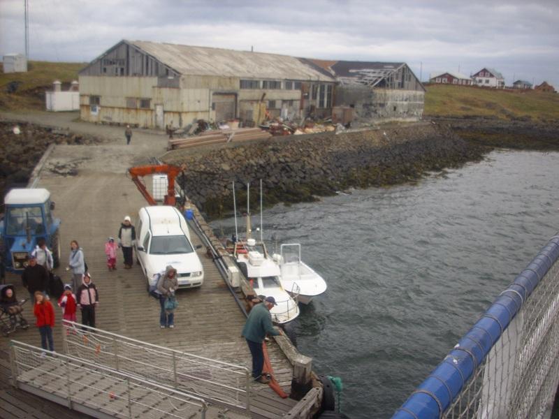 Click image for larger version  Name:Arnarfjörður 08.2008 938lítil.jpg Views:154 Size:161.2 KB ID:37028