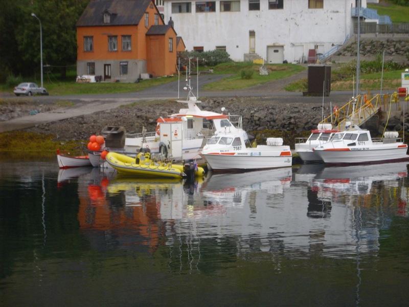 Click image for larger version  Name:Arnarfjörður 08.2008 1008lítil.jpg Views:183 Size:156.0 KB ID:37045