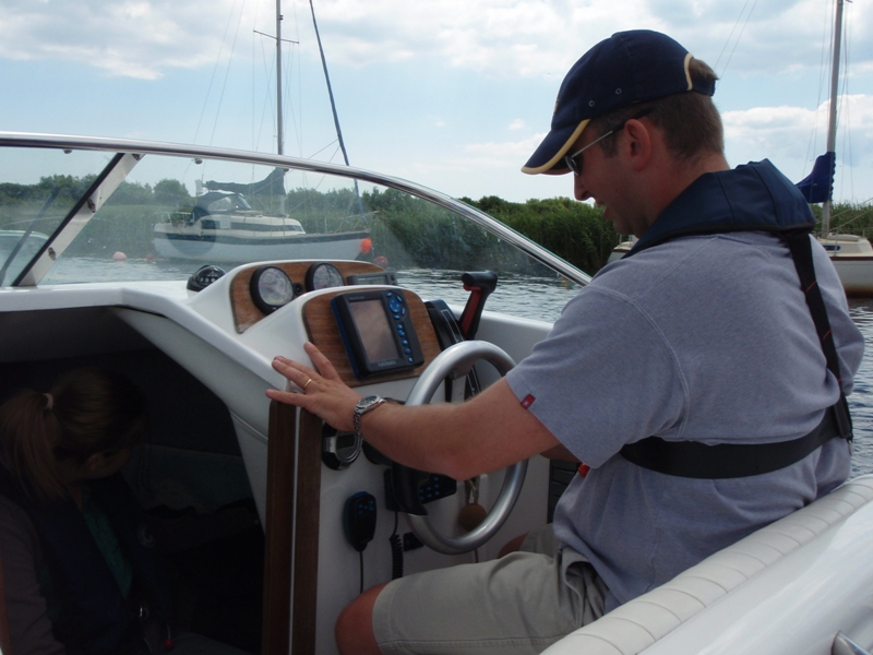 Click image for larger version  Name:New Boat Day 1 011.jpg Views:189 Size:206.1 KB ID:37708