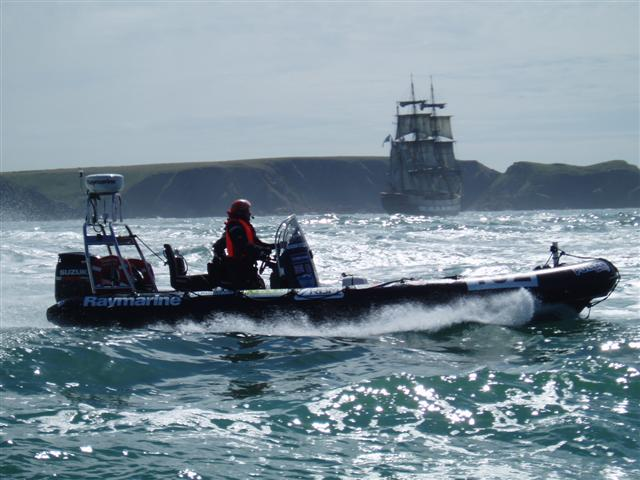 Click image for larger version  Name:Round Britain 2008 Race Boats 040 (Small).jpg Views:145 Size:57.0 KB ID:37763