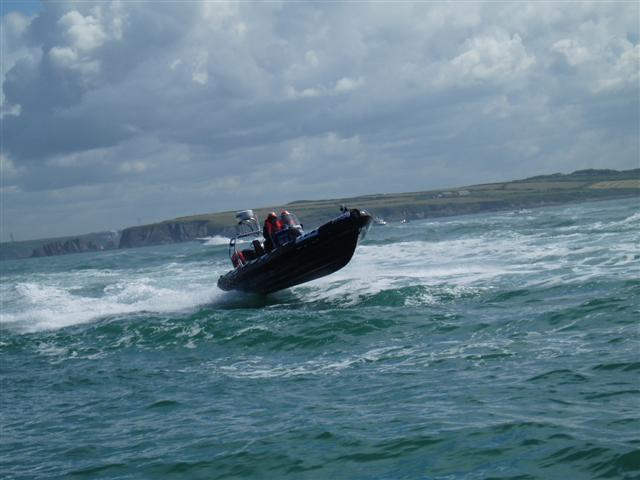 Click image for larger version  Name:Round Britain 2008 Race Boats 039 (Small).jpg Views:141 Size:45.1 KB ID:37764