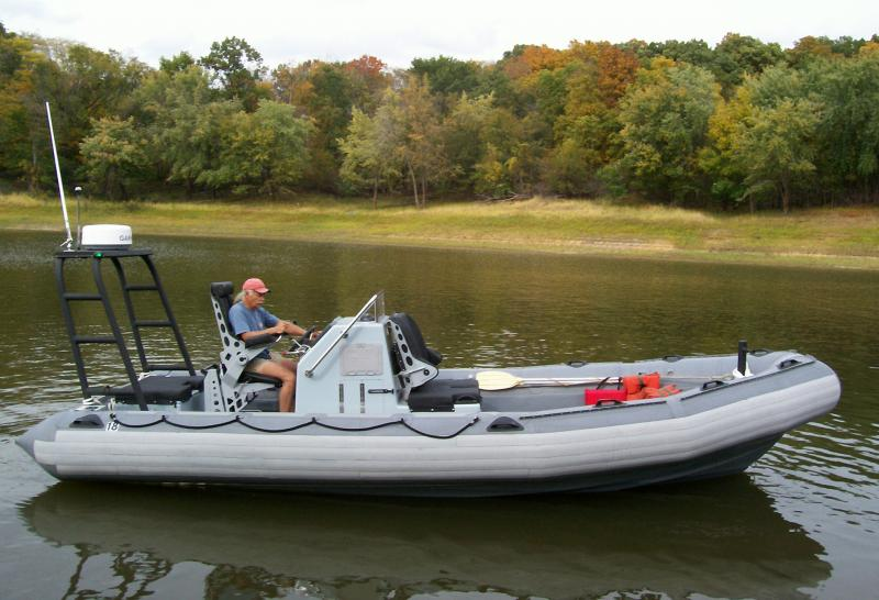 Click image for larger version  Name:underway stbd.jpg Views:1562 Size:69.2 KB ID:38199