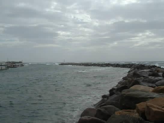 Click image for larger version  Name:marina.jpg Views:184 Size:17.7 KB ID:4162