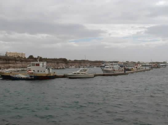Click image for larger version  Name:docks.jpg Views:203 Size:18.4 KB ID:4164