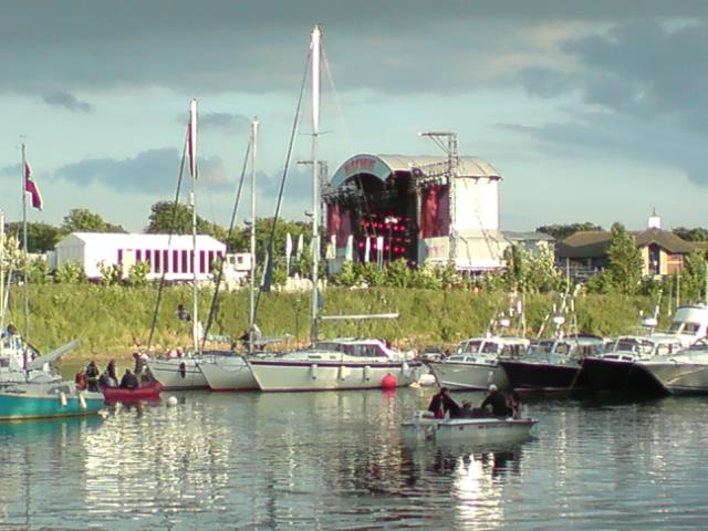 Click image for larger version  Name:IoW_Festival_River.JPG Views:228 Size:50.2 KB ID:43057