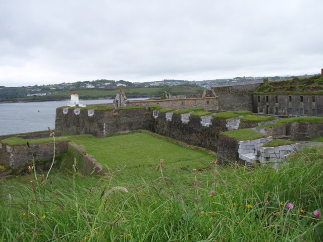 Click image for larger version  Name:Charle's Fort - Kinsale.JPG Views:476 Size:185.0 KB ID:43281