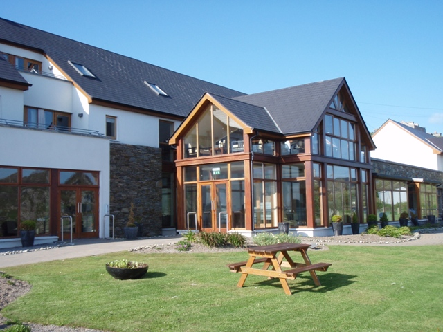 Click image for larger version  Name:A 4-star hotel- in Inish Bofin.JPG Views:481 Size:170.3 KB ID:43283