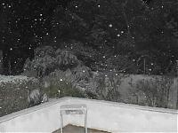Click image for larger version  Name:snow.jpg Views:318 Size:25.4 KB ID:4346