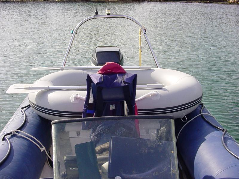 Click image for larger version  Name:Dinghy temp stow.jpg Views:217 Size:85.0 KB ID:43594