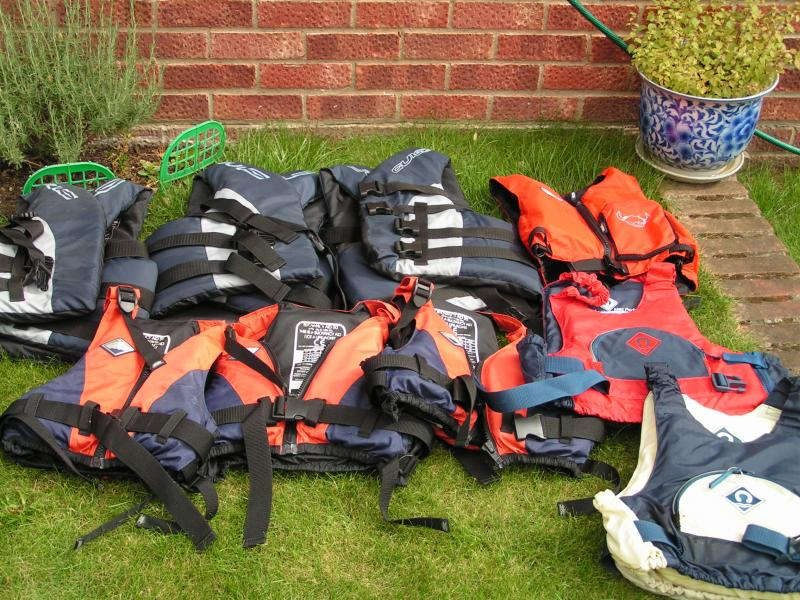Click image for larger version  Name:boating gear 035.jpg Views:128 Size:121.2 KB ID:45519
