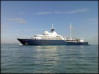 Click image for larger version  Name:Luxury yacht and sunken boat rescue 002.jpg Views:159 Size:66.5 KB ID:46075