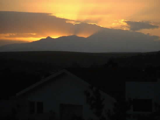 Click image for larger version  Name:sunset at swellendam.jpg Views:252 Size:8.9 KB ID:4635