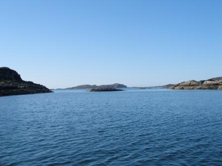 Click image for larger version  Name:Black Isles Anchorage Looking to Garvellachs.jpg Views:117 Size:28.0 KB ID:46902