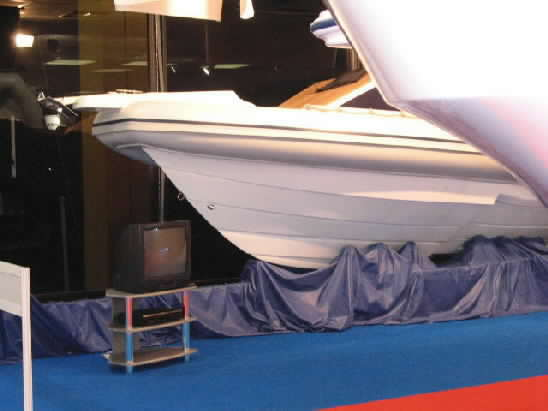 Click image for larger version  Name:coming hummer athens spring 2004 boat show0042.jpg Views:401 Size:19.2 KB ID:4861