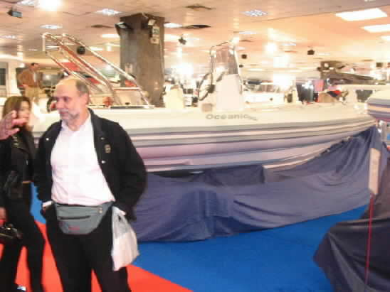 Click image for larger version  Name:oceanic athens spring 2004 boat show0033.jpg Views:352 Size:24.0 KB ID:4876