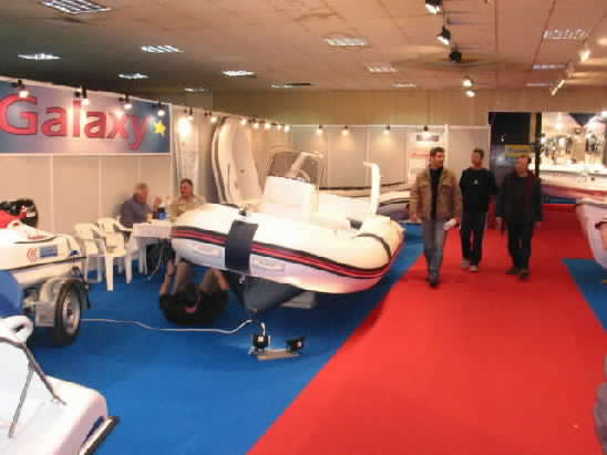 Click image for larger version  Name:galaxy athens spring 2004 boat show0017.jpg Views:247 Size:22.8 KB ID:4887
