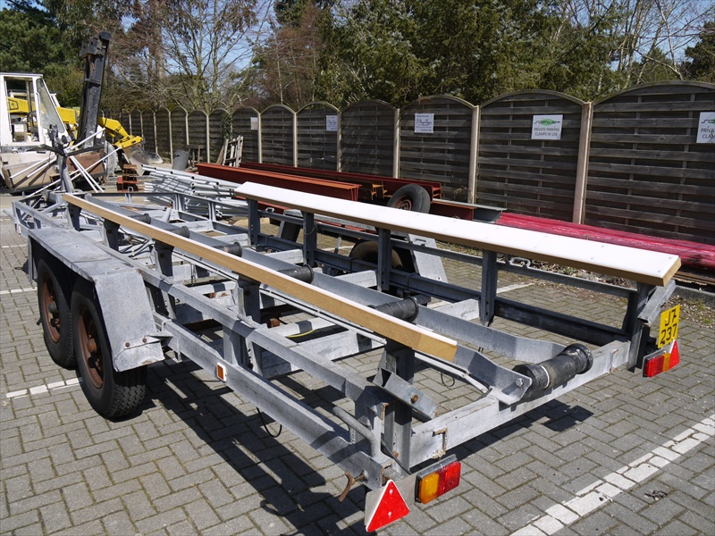 Click image for larger version  Name:trailer bunks 001s.jpg Views:340 Size:279.2 KB ID:50313