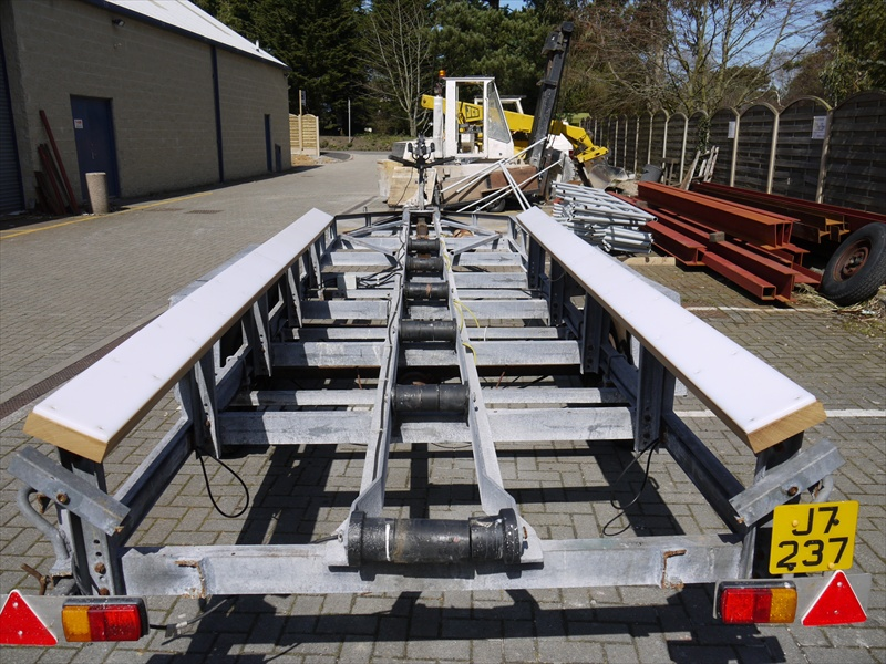 Click image for larger version  Name:trailer bunks 002s.jpg Views:699 Size:241.9 KB ID:50314