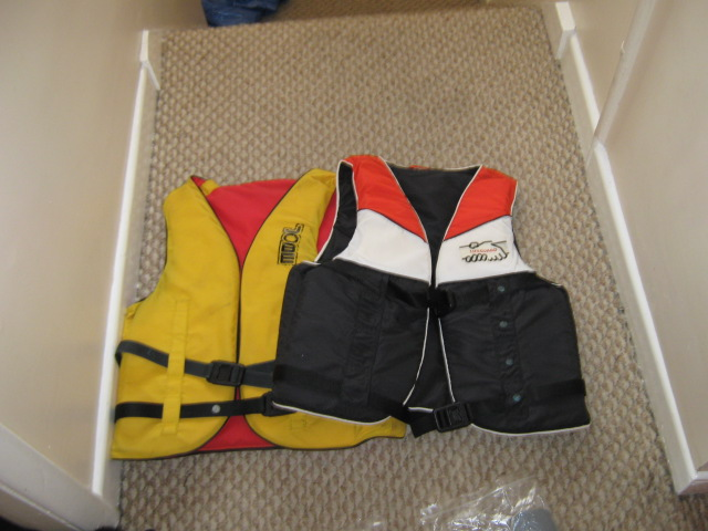 Click image for larger version  Name:jackets.JPG Views:121 Size:94.1 KB ID:52635