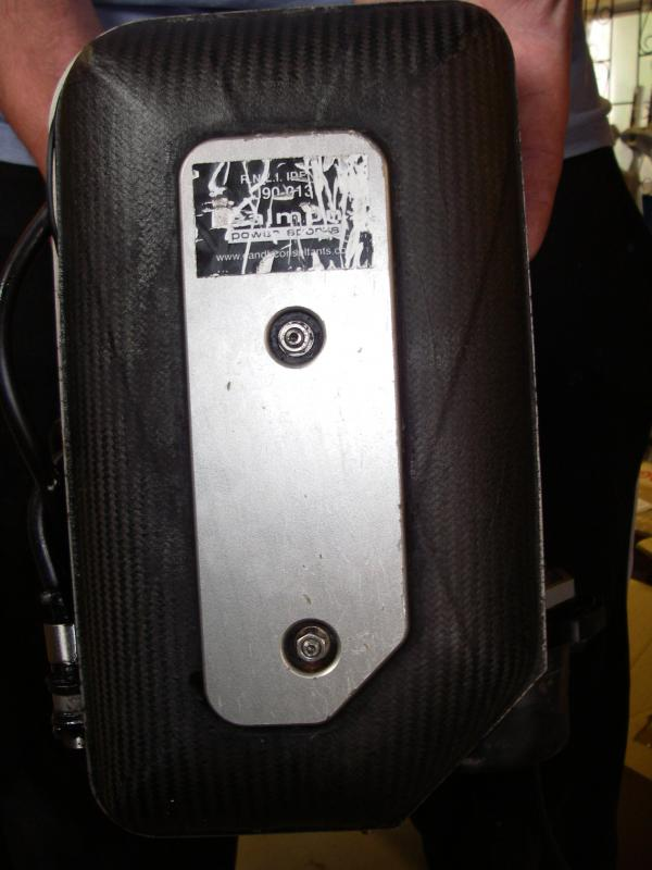 Click image for larger version  Name:Carbon Fibre airbox.jpg Views:156 Size:50.0 KB ID:56270