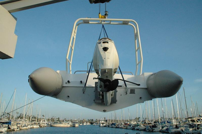 Click image for larger version  Name:Harpoon on hoist transom view.jpg Views:184 Size:51.2 KB ID:57756