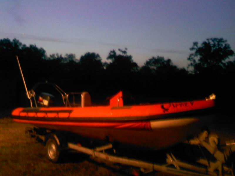 Click image for larger version  Name:my boat pictures 010.jpg Views:98 Size:34.3 KB ID:58871