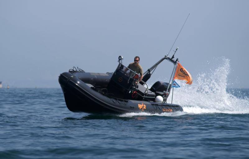 Click image for larger version  Name:Garda_2011_gommone_014.jpg Views:121 Size:36.6 KB ID:59376