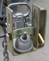 Click image for larger version  Name:Trailer lock.jpg Views:135 Size:7.4 KB ID:59592