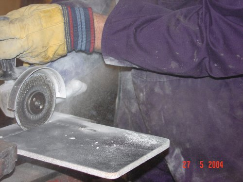 Click image for larger version  Name:Angle grinding fibreglass 2 x500.jpg Views:195 Size:35.9 KB ID:5980