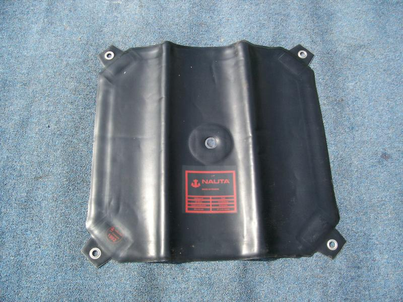 Click image for larger version  Name:flexible fuel tanks 004.jpg Views:85 Size:101.4 KB ID:60409
