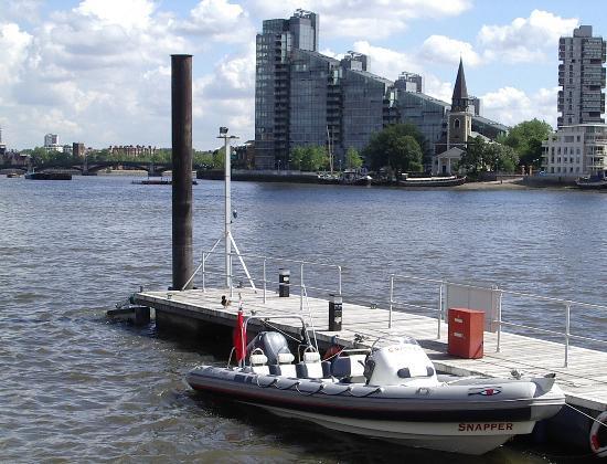 Click image for larger version  Name:boatthames 007.jpg Views:381 Size:52.3 KB ID:6067