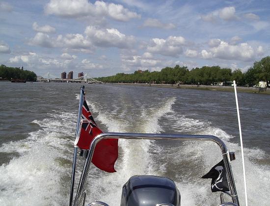 Click image for larger version  Name:boatthames 009.jpg Views:368 Size:47.1 KB ID:6069
