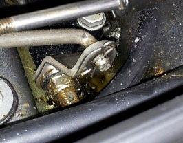 Click image for larger version  Name:Gear shift zoomed.jpg Views:237 Size:43.0 KB ID:62619